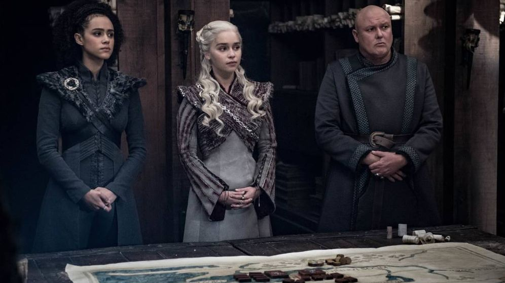 Foto: Missandei, Daenerys Targaryen y Varys. (HBO)