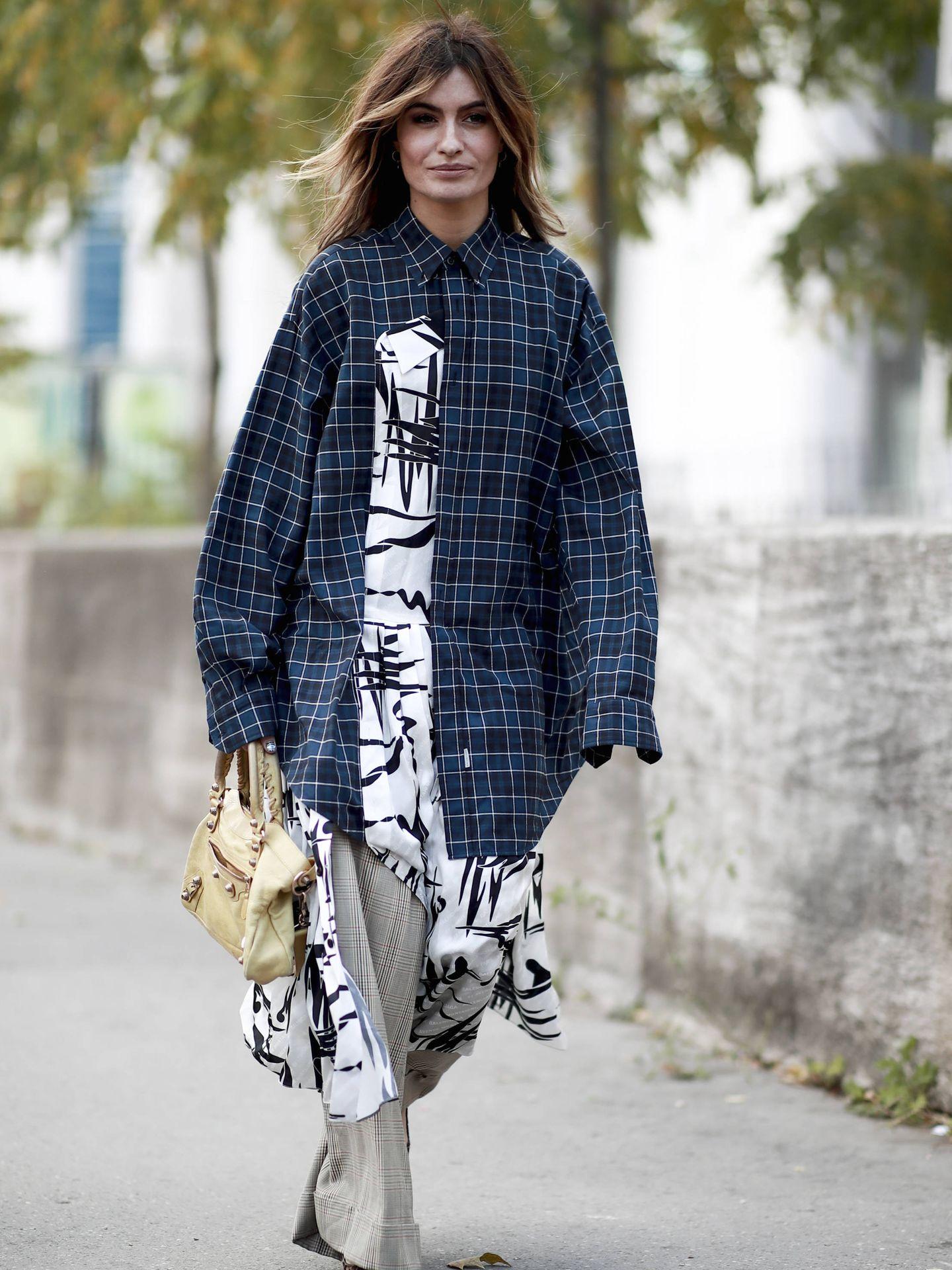 Madame de Rosa defiende el camisero en plena calle. (Imaxtree)