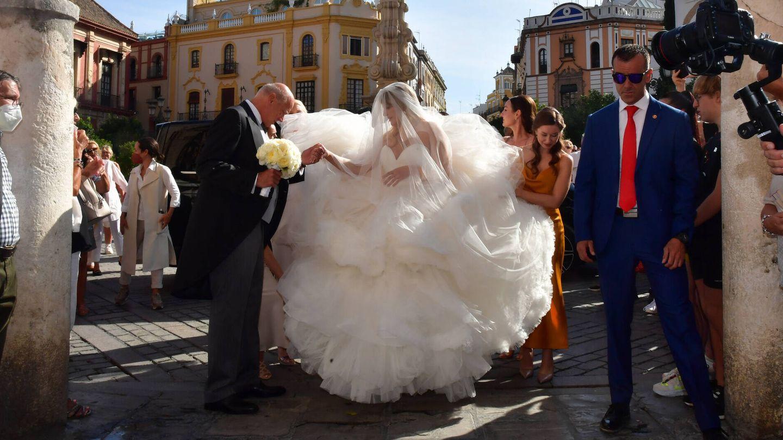 Sophie Elizabeth Karoly con su vestido de novia. (Gtres)