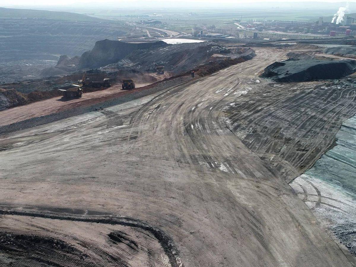 Foto: La corta y la planta minera en Sevilla. (CLC)