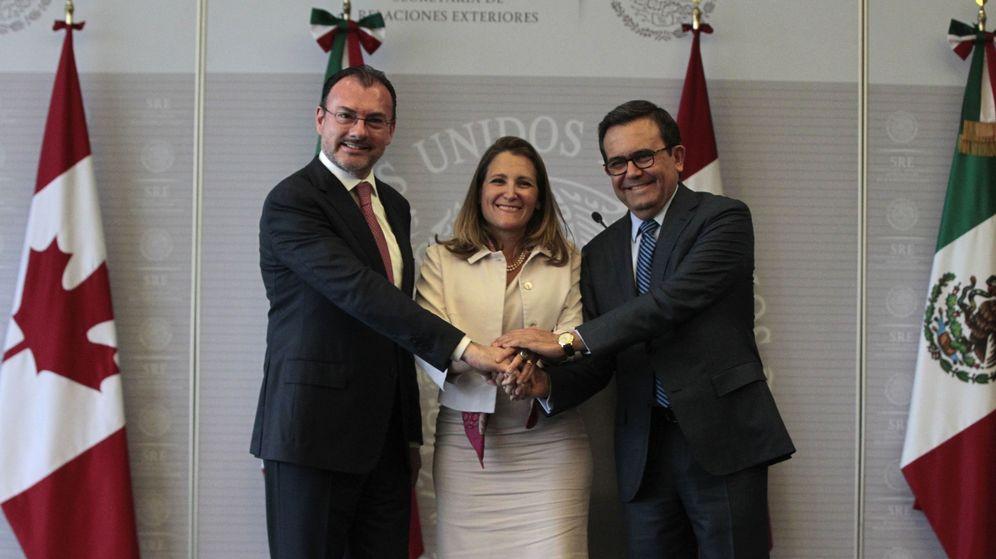 Foto:  El secretario de Relaciones Exteriores de México, Luis Videgaray (i), la ministra canadiense de Exteriores, Chrystia Freeland (c), y el ministro mexicano de Economía, Ildefonso Guajardo (d),