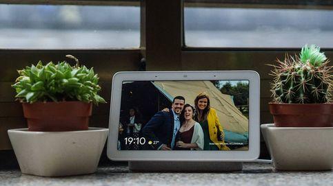 Un mes con la pantalla inteligente de Google en casa: ¿mejor hacerlo tú o usar la voz?
