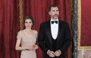 El Rey abdicará en el Palacio Real con los fastos que negó a su padre