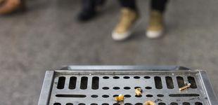 Post de Australia multará con 500 dólares a quien tire una colilla al suelo