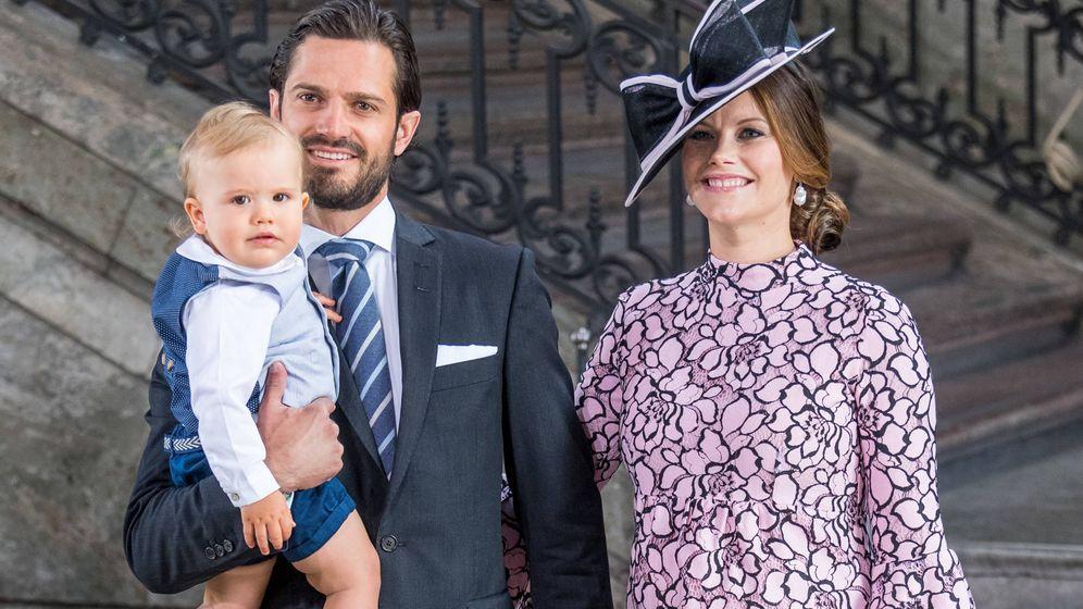 Foto: Carlos Felipe y Sofía de Suecia con su hijo, Alexander. (Gtres)
