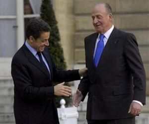 El Rey acude al Elíseo para un almuerzo con Nicolas Sarkozy
