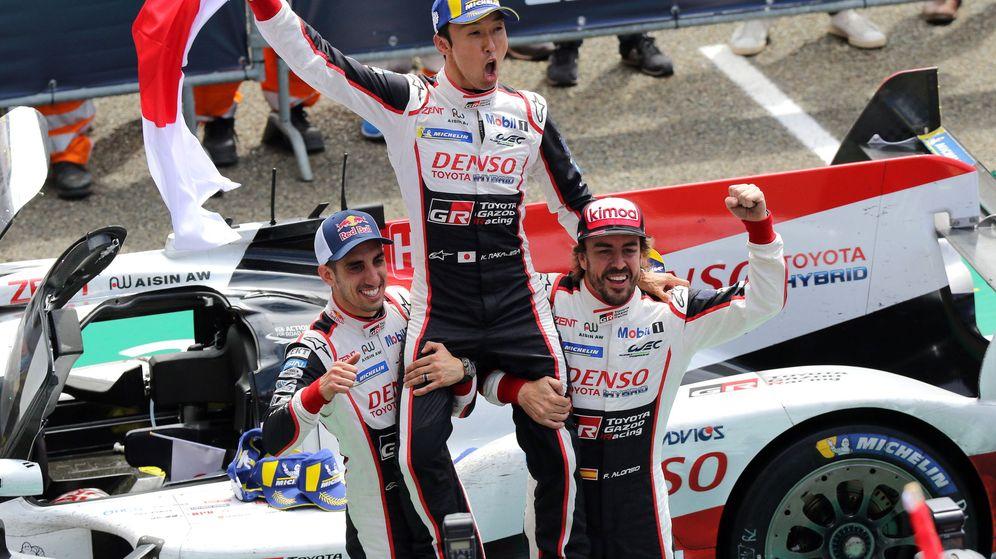 Foto: La victoria en Le Mans fue un hito histórico para Toyota y para Alonso (EFE)