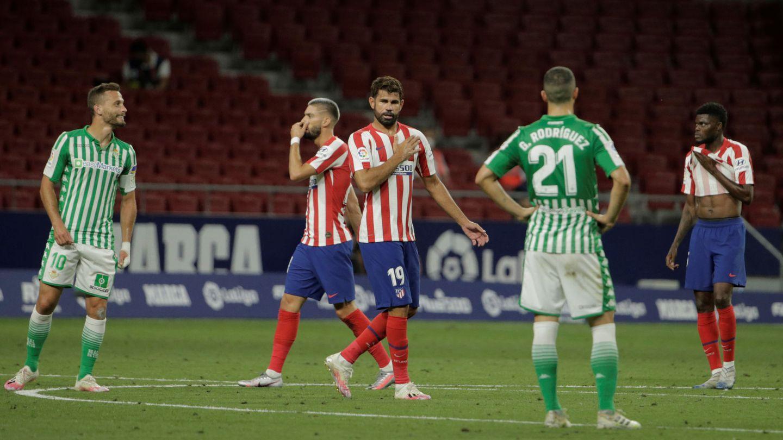 Costa celebra el tanto que, a la postre, le dio al Atlético el billete a la Champions. (EFE)
