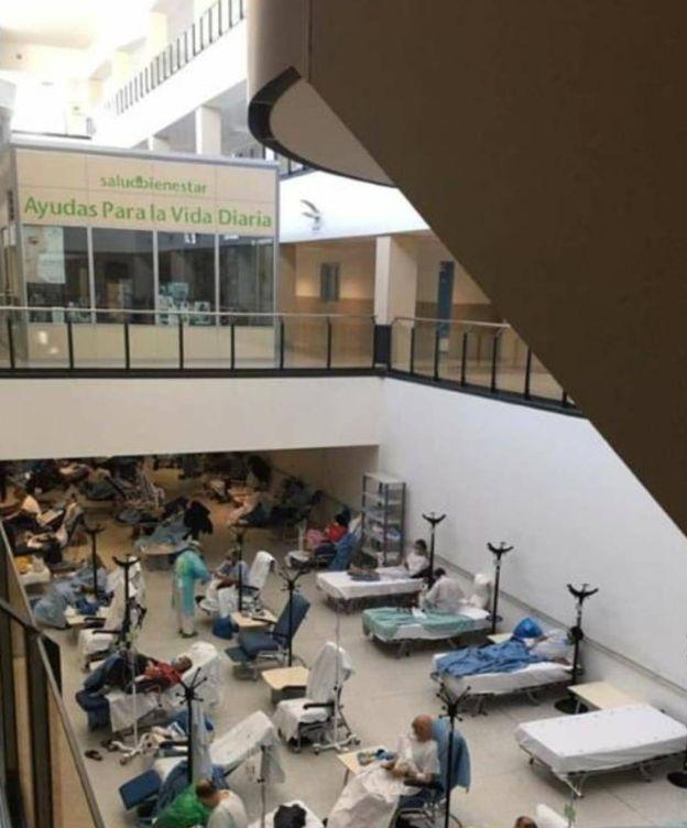 Foto: Hospital de campaña dentro del propio Hospital del Henares, en Coslada.