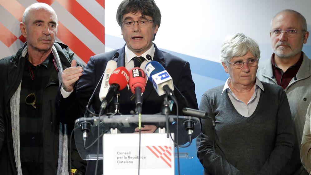 Foto: El expresidente de la Generalitat Carles Puigdemont da una rueda de prensa en Waterloo, Bélgica. (EFE)