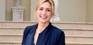 Post de Vuelve Julie Gayet: la declaración de amor de Hollande y el feo de Brigitte Macron