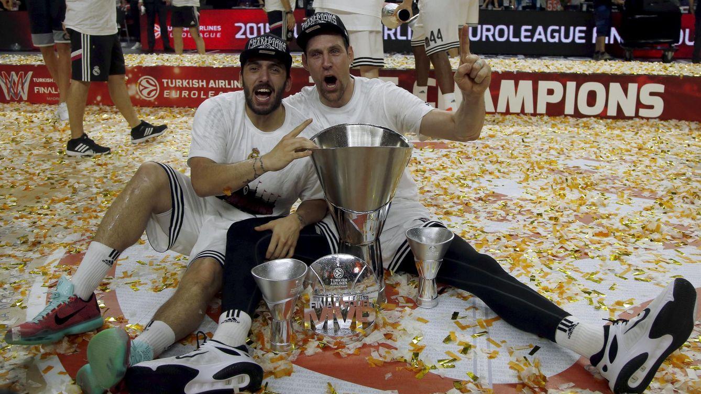 Foto: Nocioni, MVP de la gran final de la Euroliga, junto a Campazzo (Reuters)