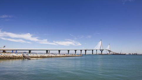 Rajoy, Díaz y 'Kichi' 'se pegan' por un puente de 239 millones de sobrecoste