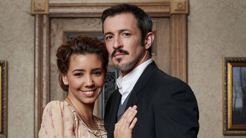 Sandra Cervera y Fernando Coronado, en 'El secreto de Puente Viejo'. (Atresmedia)
