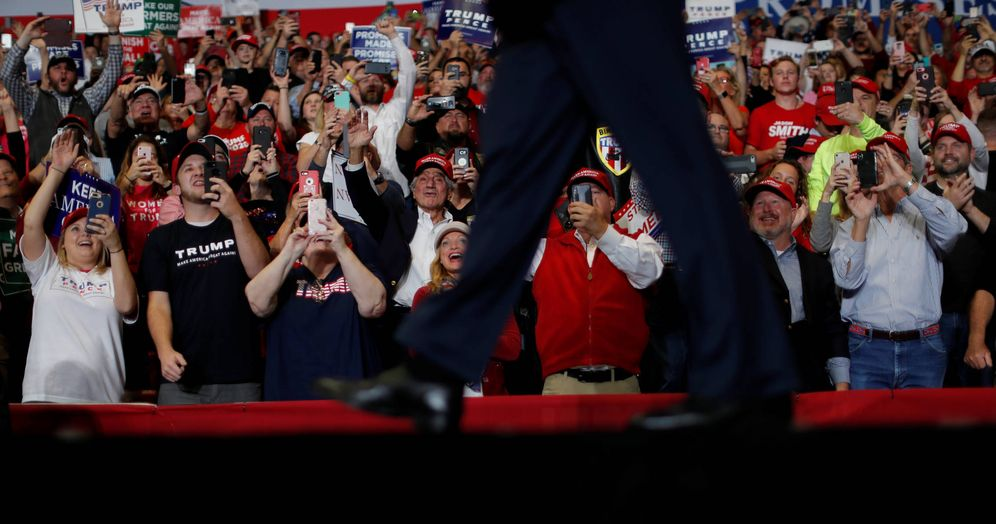 Foto: El presidente Donald Trump camina por el escenario durante un mitin en Cape Girardeau, Misuri. (Reuters)