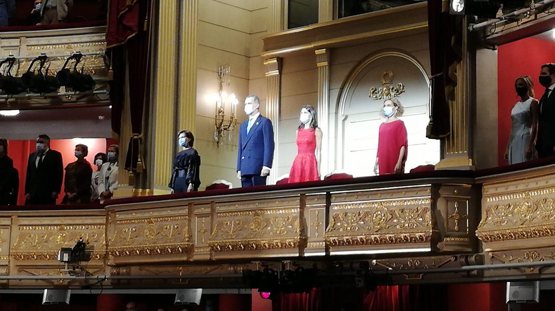 Lo que no viste de los Reyes en la ópera: anécdotas y secretos de la noche
