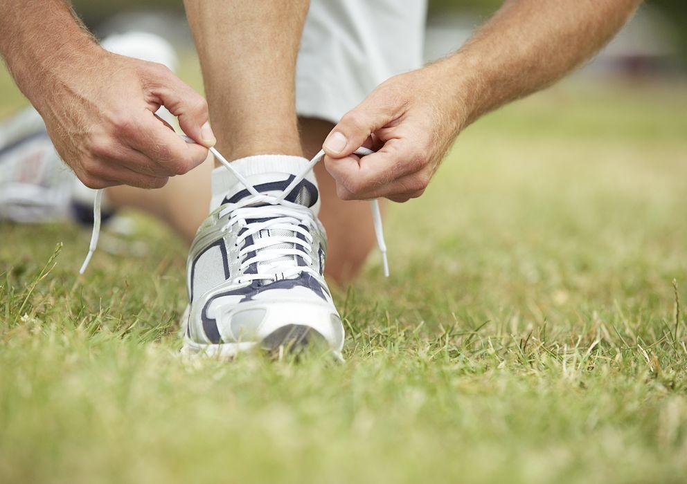 Foto: Las zapatillas deben de lavarse de forma regular. (Paul Burns/Corbis)