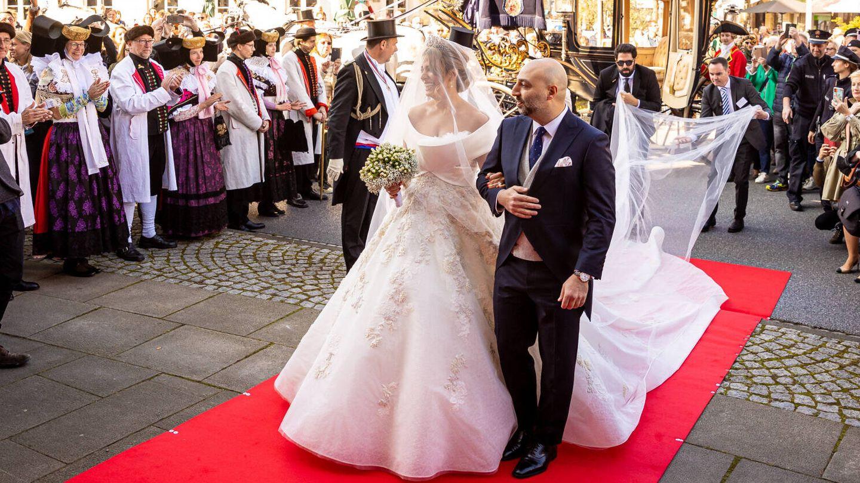 La novia camina hacia el altar. (Gtres)