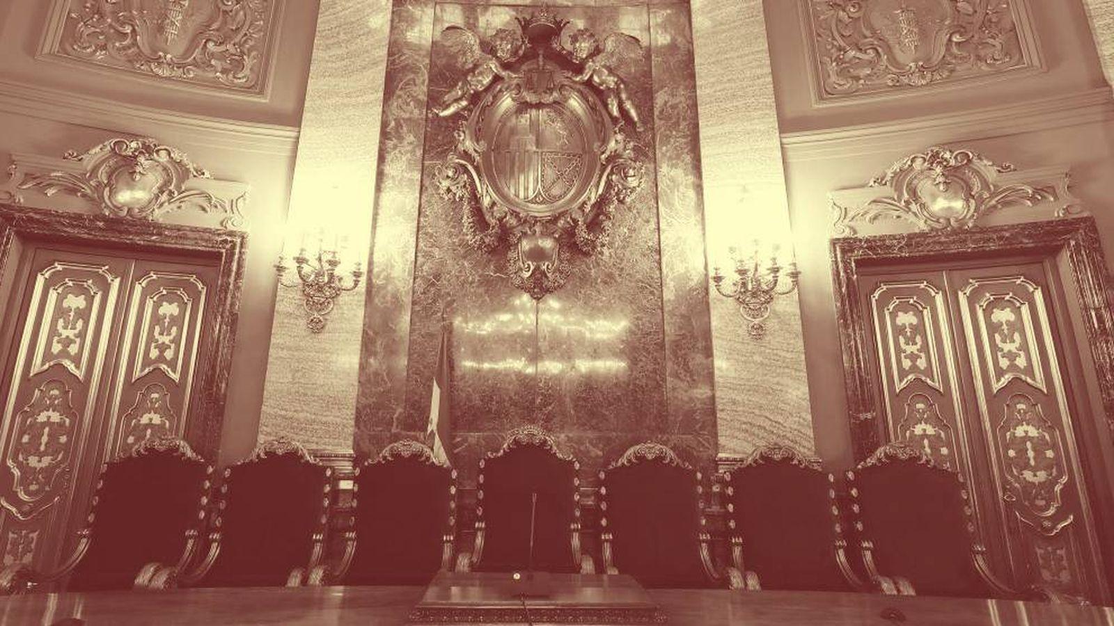 Foto: Vista del lugar que ocupará la presidencia en la Sala Penal del Tribunal Supremo donde tendrá lugar el juicio del 'procés'. (EFE)
