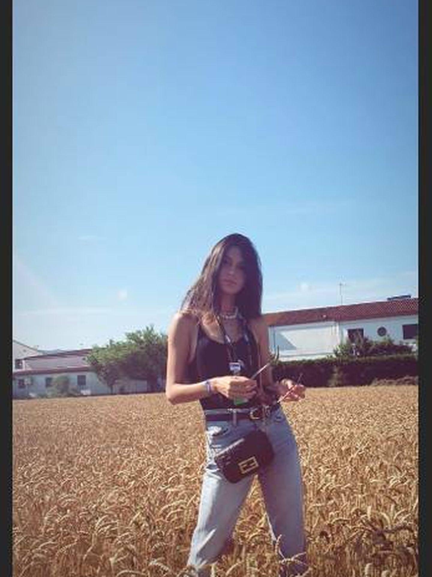 Más instantáneas del look escogido por Lucía Rivera. (Instagram)