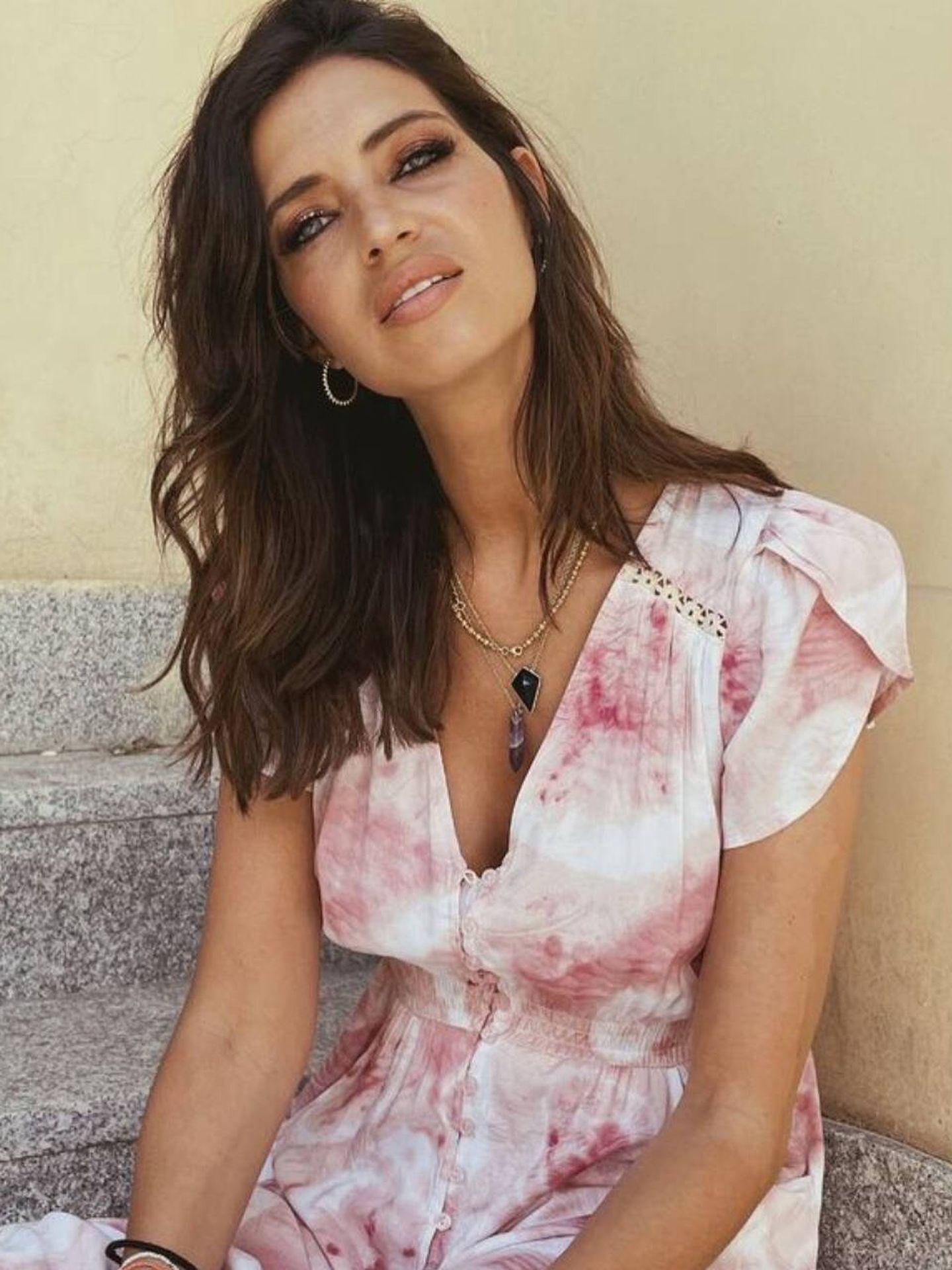Sara Carbonero luce el vestido de este verano. (Instagram @saracarbonero)