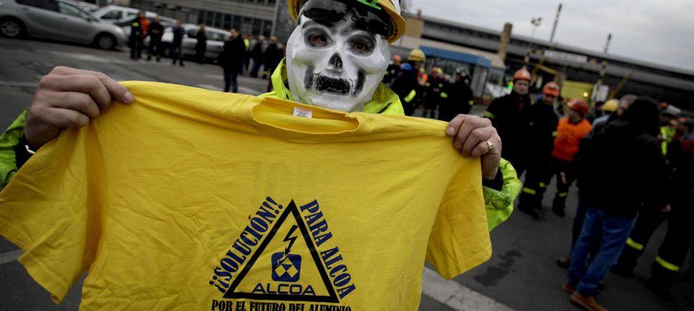 Foto: Manifestantes de la planta de A Coruña. (EFE)