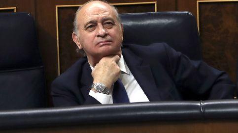 Fernández Díaz dice al juez que se enteró de Kitchen por la prensa y exculpa a Rajoy