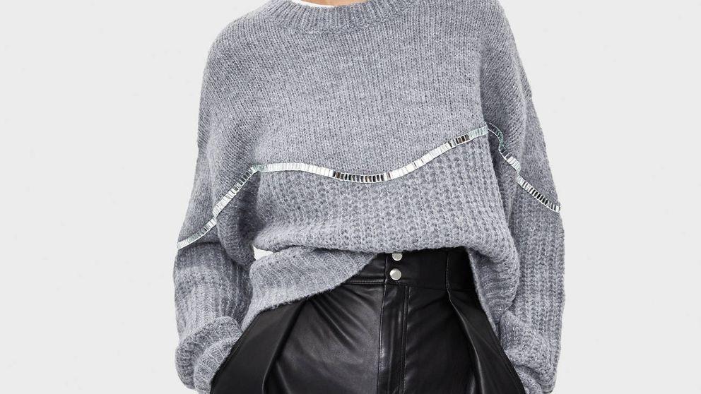 Nunca has visto un jersey con abalorios tan ideal como este de Bershka