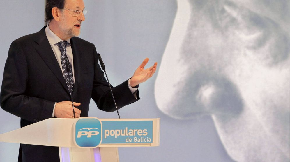 Foto: Mariano Rajoy en el homenaje póstumo al presidente fundador del Partido Popular, Manuel Fraga. (EFE)