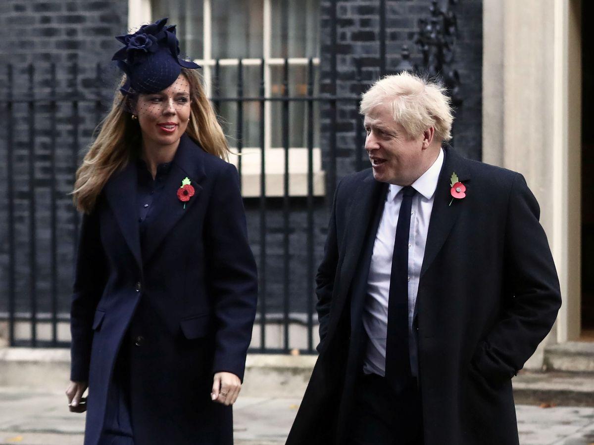 Foto: Boris Johnson y su novia, Carrie Symonds. (Reuters)