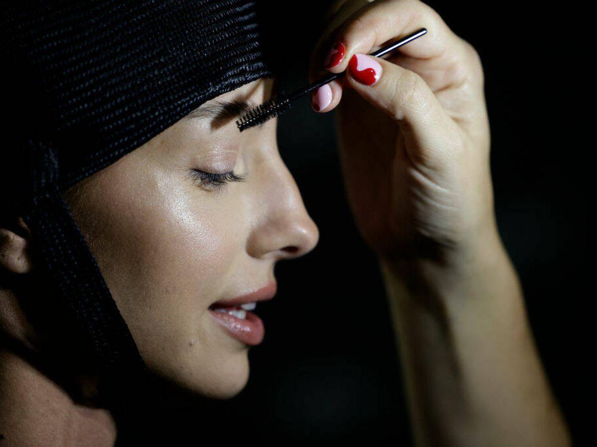 Foto: El goupillon es una herramienta fundamental en el neceser de un maquillador. (Getty)