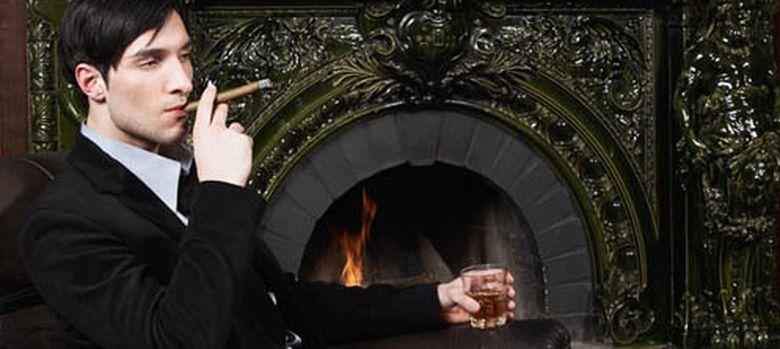 Foto: No hace falta fumar habanos y llevar traje de etiqueta para comportarse como un caballero. (Corbis)