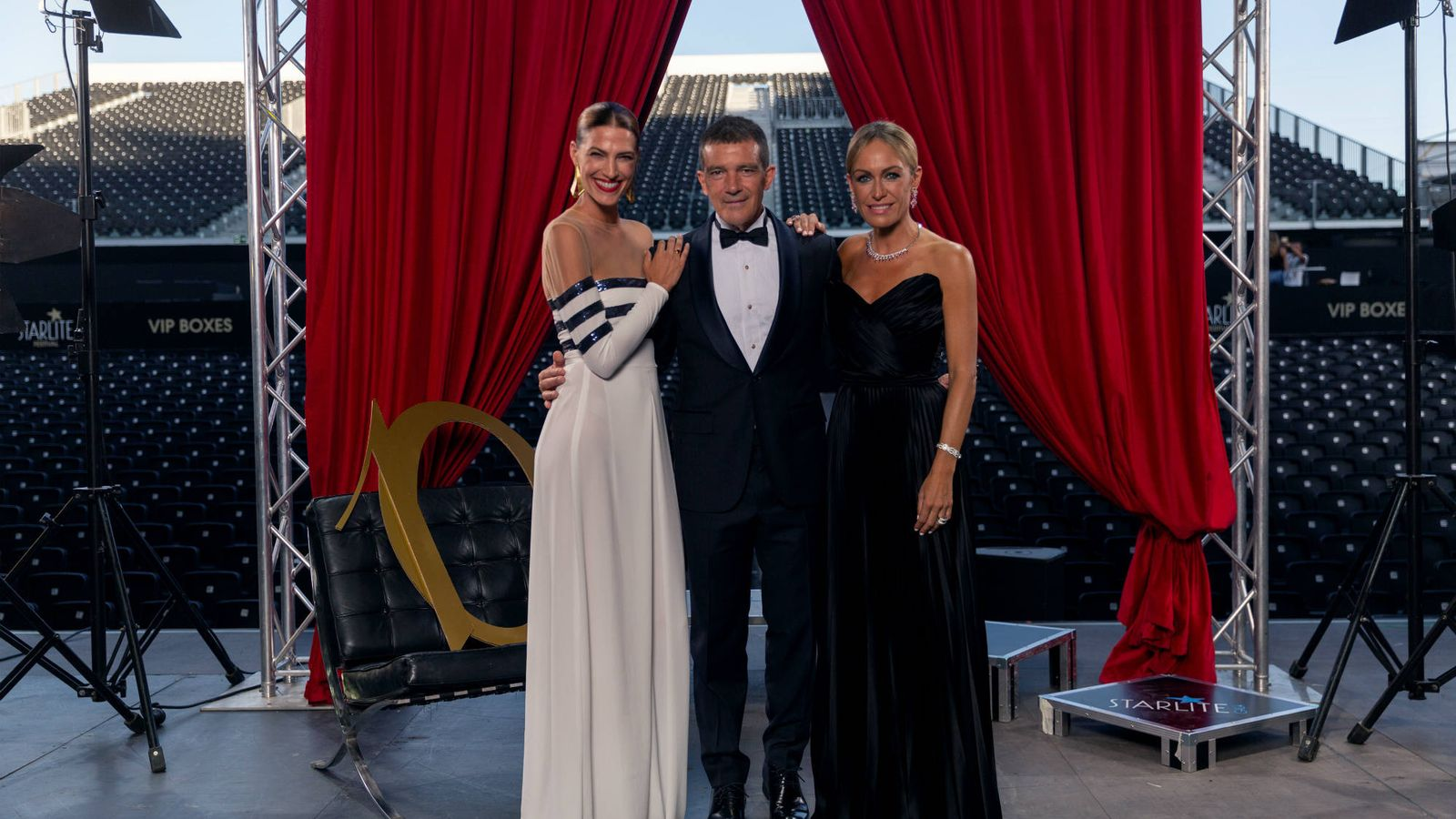 Foto: Laura Sánchez, Antonio Banderas y Luján Argüelles. (Starlite)