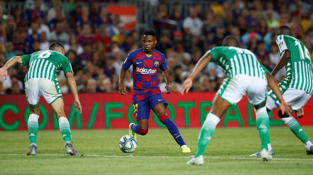 Foto: Solo un jugador en la historia del FC Barcelona ha debutado siendo más joven que Ansu Fati. (Reuters)