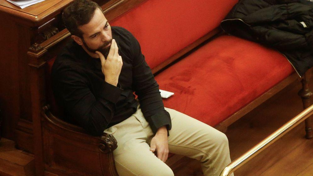 Foto: l acusado Albert López durante la sesión de este lunes en el juicio. (EFE)