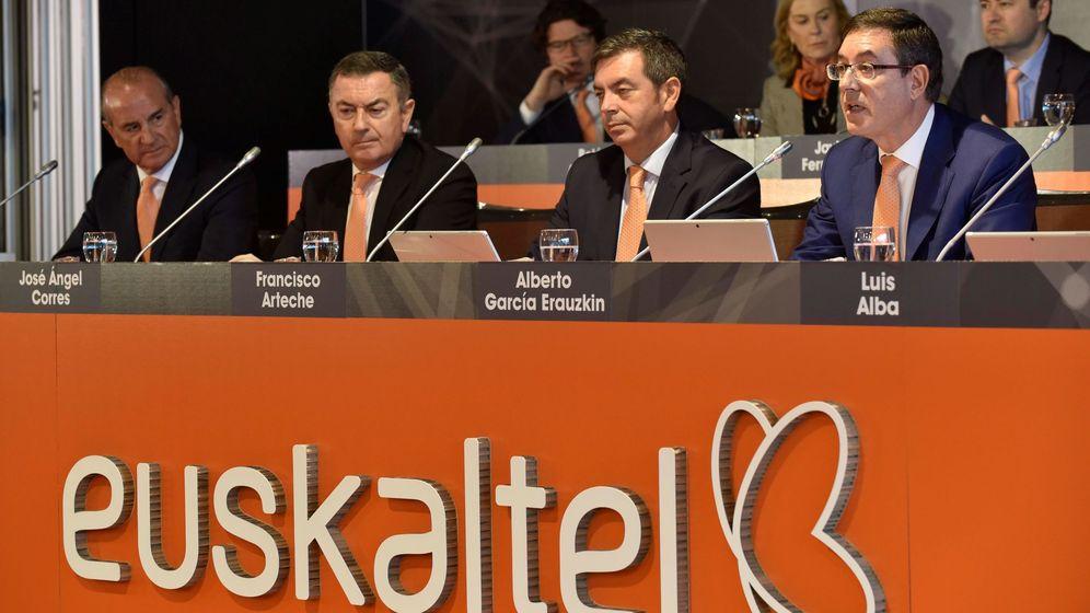 Foto: Junta general ordinaria de accionistas de Euskaltel este 2019. (EFE)