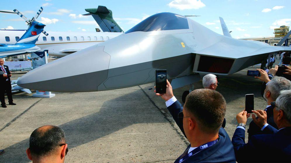 Foto: La maqueta del futuro caza europeo FCAS. (Reuters)