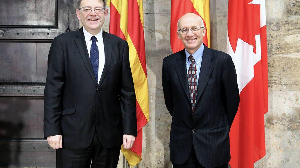 Foto: Ximo Puig, con el embajador de Canadá, Matthew Levin, el pasado mes de febrero en Valencia. (GVA)