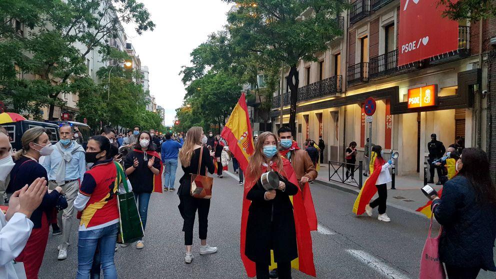Las protestas del barrio de Salamanca se extienden hasta Ferraz: Sánchez a prisión