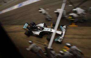 Los nervios mostraron a un Lewis Hamilton desconfiado de Mercedes