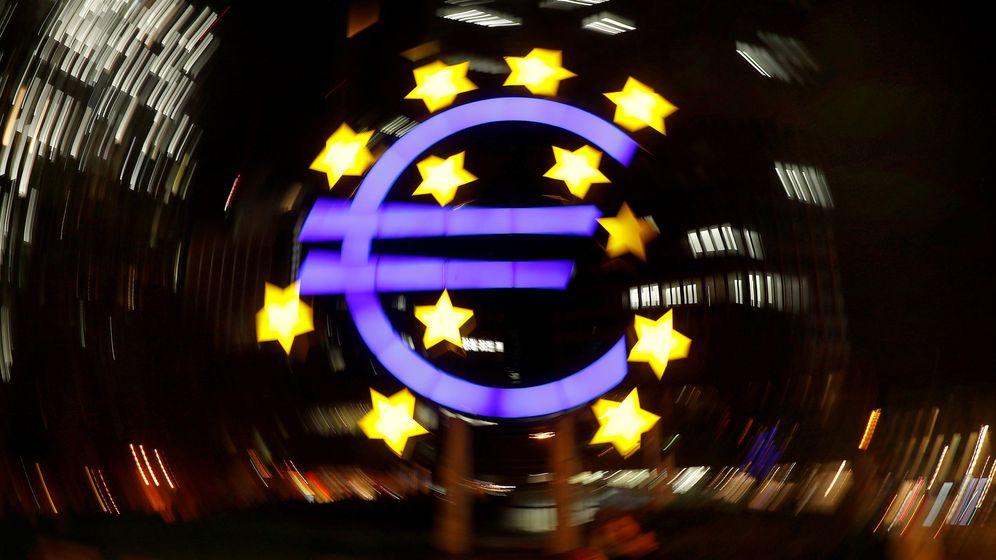 Foto: El símbolo del euro, a las afueras de la sede del Banco Central Europeo (BCE). (Reuters)