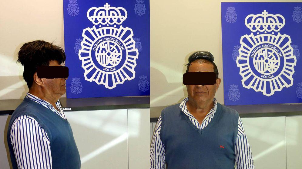 Foto: El hombre transportaba más de medio kilo de cocaína bajo su peluquín (Foto: Policía Nacional)