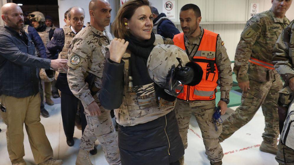 Foto:  La ministra de defensa, María Dolores de Cospedal, a su llegada a Bagdag. (EFE)
