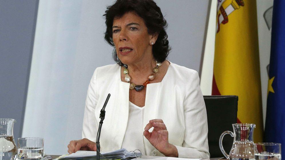 Foto: La ministra Portavoz Isabel Celaá, durante la rueda de prensa celebrada tras el Consejo de Ministros. (EFE)