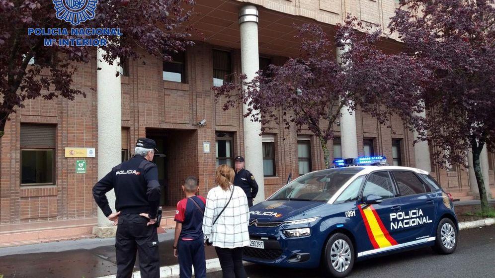 Foto: Imagen de archivo de la policía en Vitoria. (EFE)
