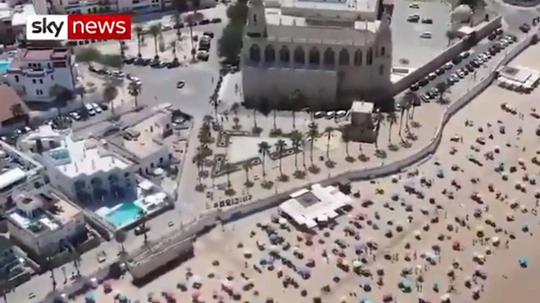 La televisión de Reino Unido pone a la playa de Chipiona como excelente ejemplo de distanciamiento social