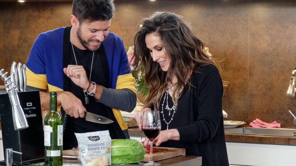 Foto: Pablo López y Malú en la cocina de Bertín Osborne.