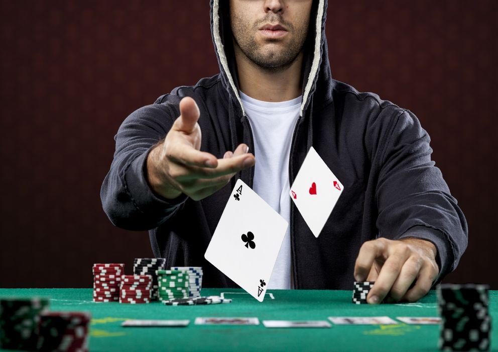 Foto: El póker puede enseñarnos muchas cosas sobre nuestra psicología y la de los que nos rodean. (iStock)