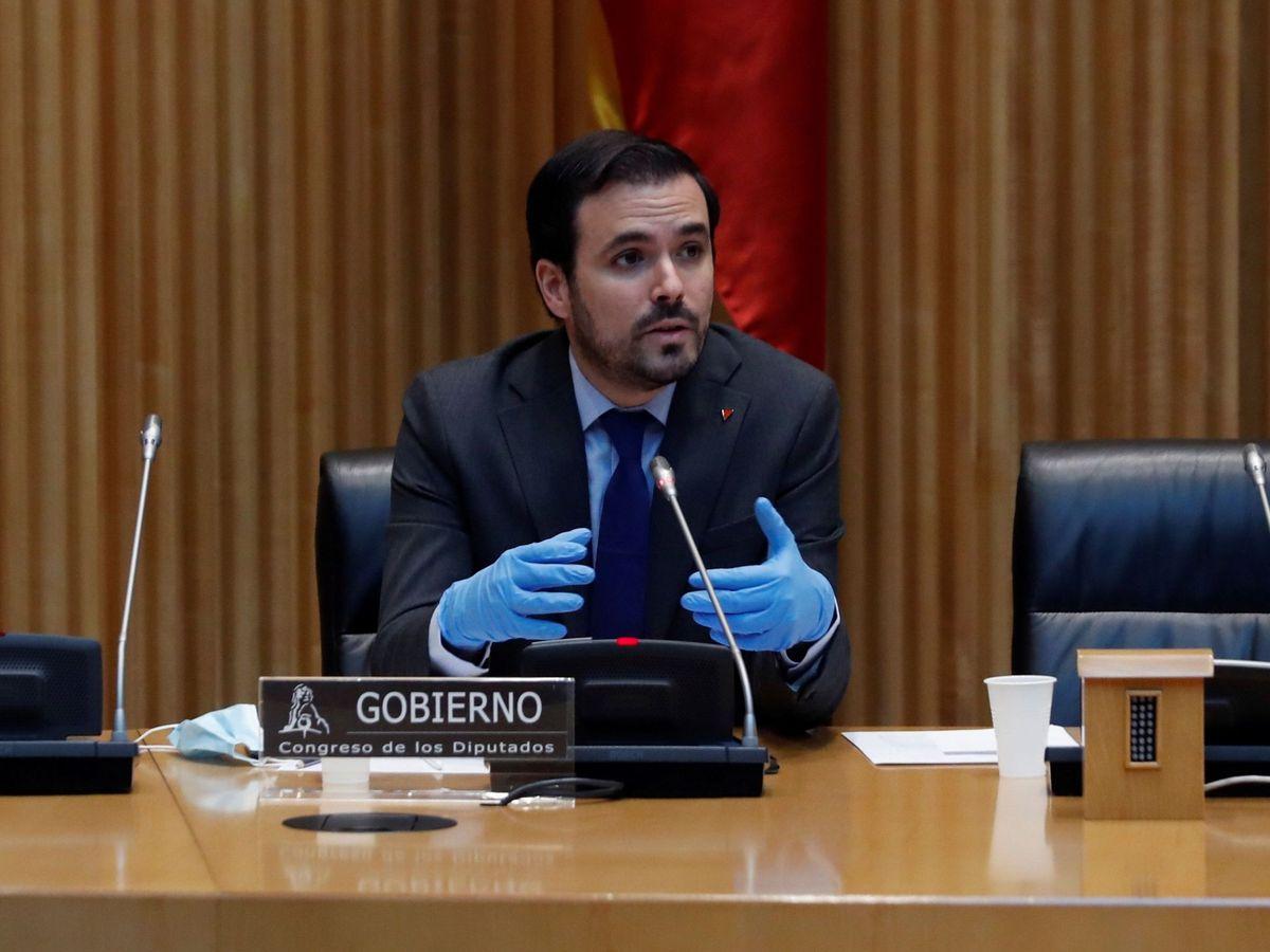 Foto: Alberto garzón comparece en la comisión de sanidad y consumo en el congreso