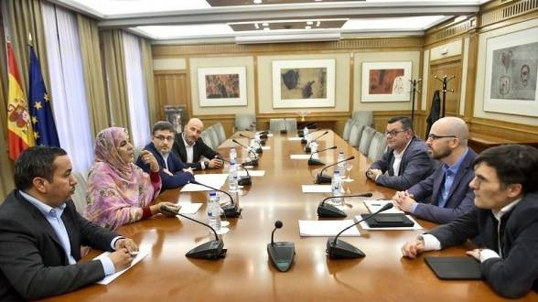 Reunión del secretario de Estado de Derechos Sociales con la ministra de Asuntos Sociales de la RASD.